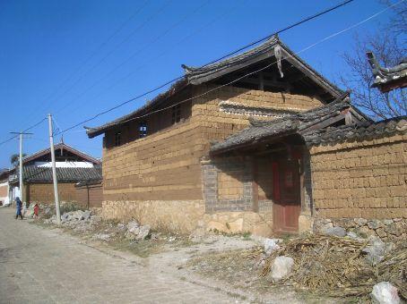 Baisha's mud brick buildings