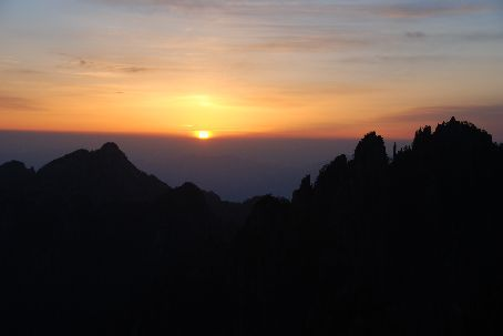 Sunrise in Huangshan