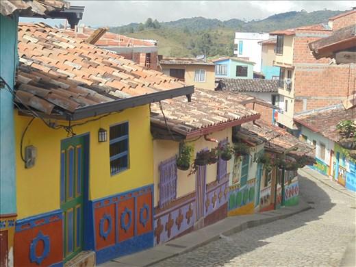 Casas y zócalos