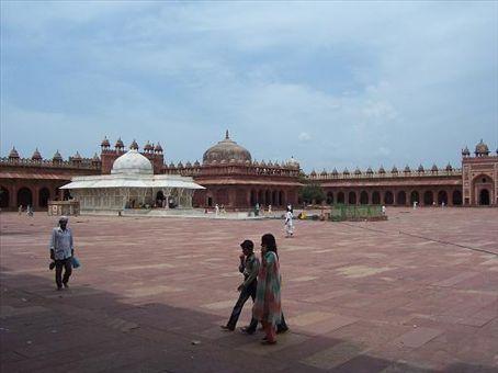Inside the Jama Masjid at Fatehpur Sikri.