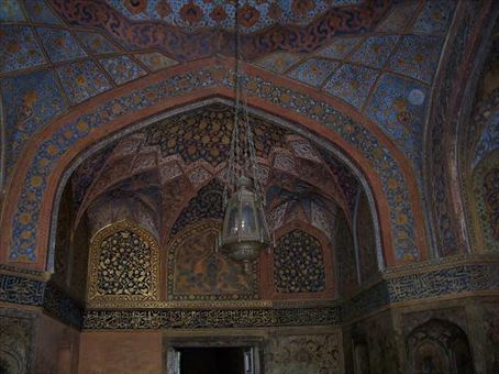 Gold leafing on the roof in Akbar's Tomb.