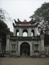 The temple of literature , Hanoi . This place is so old that the scripture on the posts asks visitors to dismount from their horses before entering ...: by paulmatthew, Views[141]