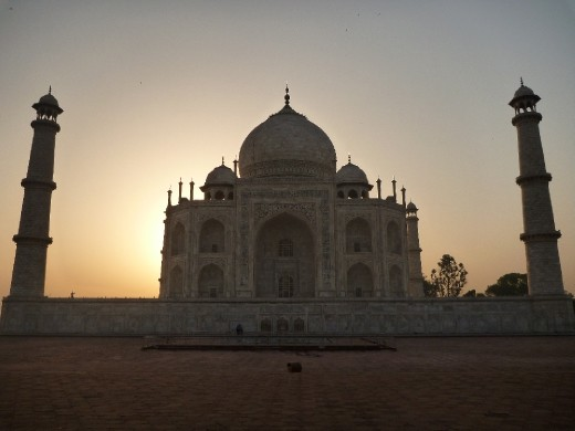 Side on view of the Taj