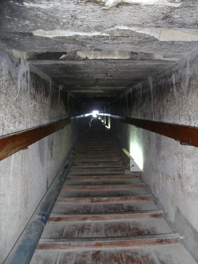 Dashur - Red Pyramid - inside on way to inner chamber