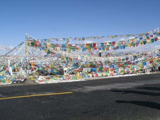 Pass with prayer flags - 5240 metres