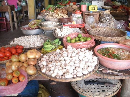 Hoi An - central markets