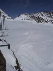 6 Jungfrau - Top of Europe - there are people on trek to Monch: by peterlee54, Views[153]