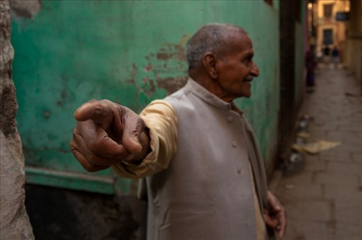 It is easy to get lost in the narrow alleys of the ancient maze like city of Varanasi and one often finds a kind smiling gentleman who patiently explains the way to reach a place.