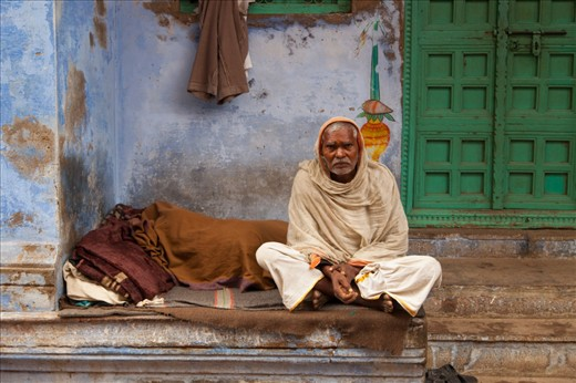 Many elderly people from across India go to Varanasi and spend their last days and wait for death to arrive. It is not an exaggeration to say that almost half a million of such people reside in this oldest & holiest of cities for Hindus in India.