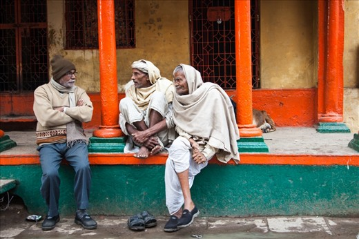 The elderly sit on the front porches of the houses or common verandah's to discuss various topics like the rising food prices, falling values in politics, insubordinate & disrespectful youth etc.