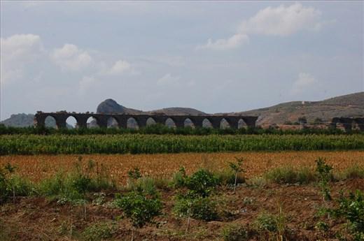 Aqueduct to aspendos