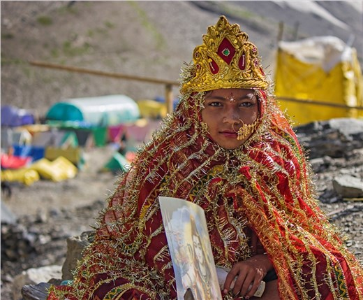 A littel girl On Amarnath base Camp dress like a Goddess Parvati .