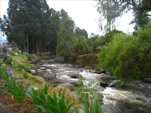 River runs through center of Cuenca