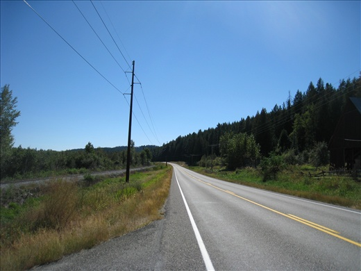 Highway 31 en route to the Canadian border at Nelway, lovely drive along mountains full of pine and sequoia trees, abandoned farmhouses, and tiny towns. There were numerous stretches with absolutely no other cars.