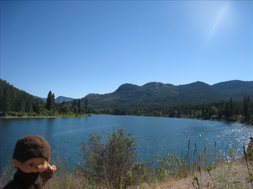 Beautiful lake along the way, stopped for a picnic lunch.