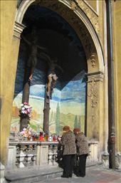 Twin praying in a street shrine: by po-polsku, Views[237]