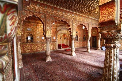 The mesmerising interior decoration of BIKANER FORT in Rajasthan,INDIA.
