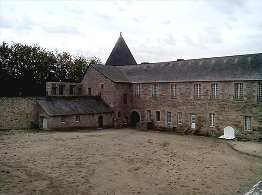The internal courtyard.