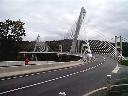 New suspension bridge across the inlet near Le Faou.  Built in 2011 at a cost of 43million euro.