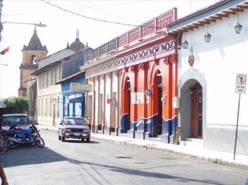 Streetscene, Leon