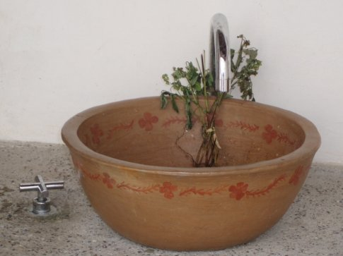 We liked this sink, and one like it in San Juan.