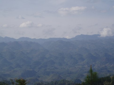 Spectacular views over a massive valley and what look like drumlin fields on the road from Lanquin to Cobán.
