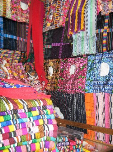 Mayan fabrics at the Mercado