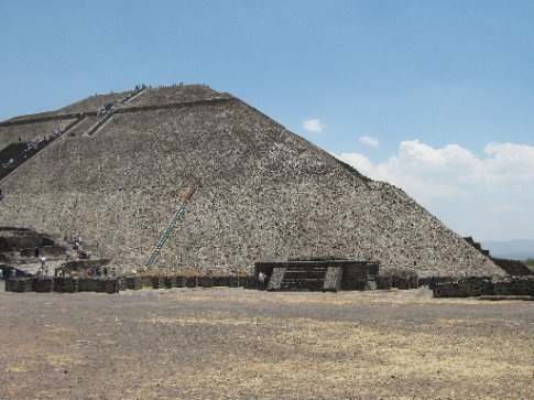 The incredibly enormous Temple of the Sun, Teotihuacan