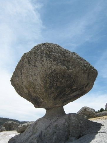 This is a natural formation.  The world is a fascinating place.