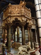 Elaborately decorated thing: by rachthe1st, Views[142]