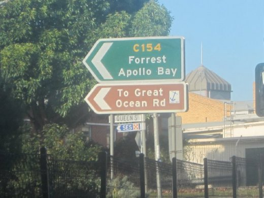 This picture should actually be at the beginning... but hooray for the Great Ocean Road!