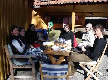 Gunvor, Nina and her friend, Lucy, Diccon and Gunvor's older brother Skur enjoying HCB...