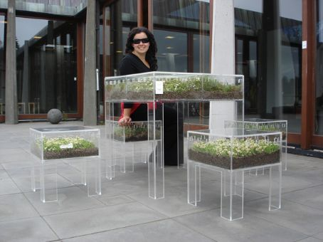 Herb table and chairs - I want some!