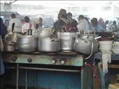 Töpfe über Töpfe mit Essen: Suppen, Fleisch und Dinge die so aussahen wie Fleisch, Reis, Kartoffeln - und alles für 1,50 $: by rayen, Views[241]