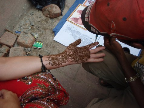 Henna Tattoo Zurich : Getting a henna tattoo pokhara gorkha ktm nepal worldnomads