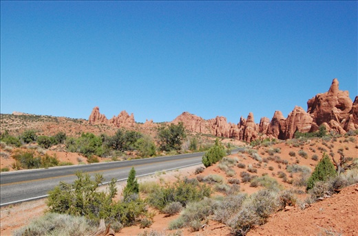 A welcoming road to Arches National Park