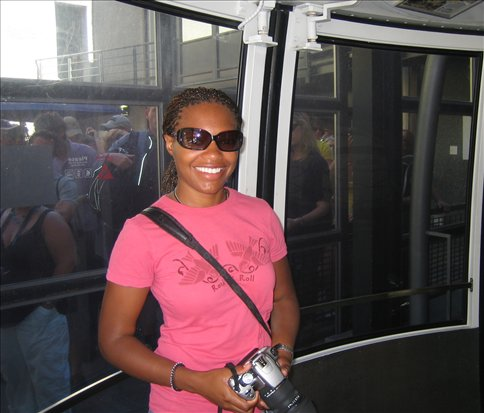 Alicia in the cable car