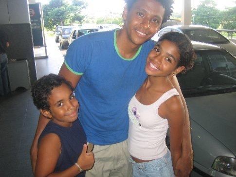 Aldri and family