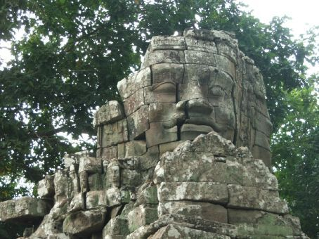 Bayon faces. Everywhere.