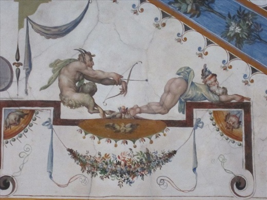 Uh…caption anyone? (ceiling in Uffizi Gallery)