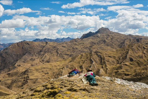 chilluhuani, peruvian community up in the andes, 4000m above sea level