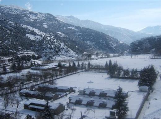 A shot i take in (DIR UPPER) during snowfal  (NWFP Pakistan) nokia 2.0 mega pix