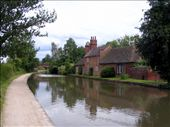 Old farmhouse on banks of Leamington canal: by ronsan, Views[204]