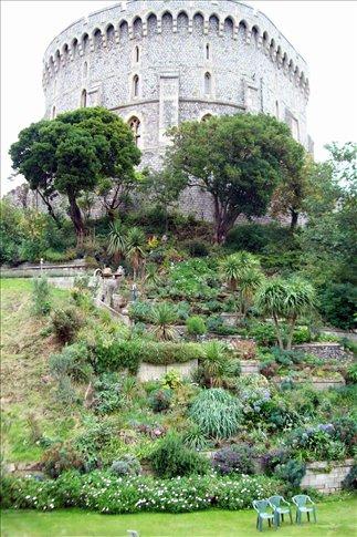Round Tower garden