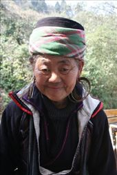 Va the 70 year old h'mong woman we bought some jewellery off outside the Baguette & Chocolat in SaPa on our last day.  She was so beautiful we couldn't resist.  She loved getting her photo taken and laughed her head off when I showed her the image.: by rosibud, Views[1291]