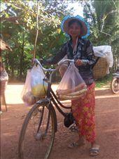 Lady selling bread door to door: by rtumicki, Views[453]