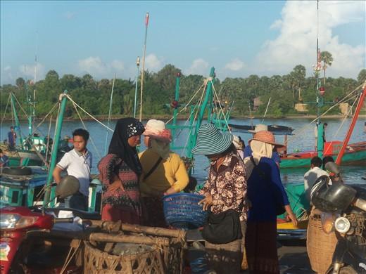 Busy fish market