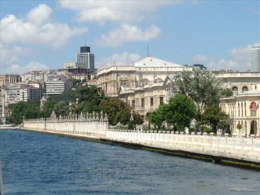 This is the Dolmabache palace built by the Ottomans in the 16th century when they grew