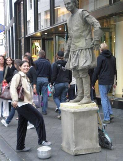 Human Statues  ;)