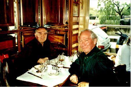 My father and Bernard in 'Le Flore en l'Ile'. (2, Quai d'Orléans, 75004 Paris). Je dégustai ce délicieux tarte aux pommes!